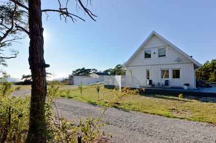 Vi fortsätter med Tofta Krokstäde 1:480 bebyggd med bostadshus om 150 kvm och som har en tomt på 1 484 kvm