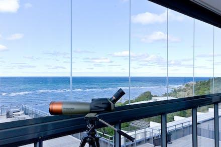 3:a 85 m² i höghuset med inglasad balkong mot havet och dubbla wc/badrum