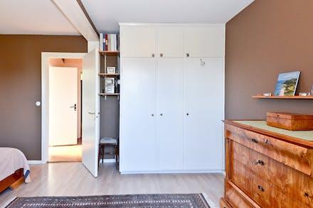 Sovrum 3 med bra förvaring via garderober
