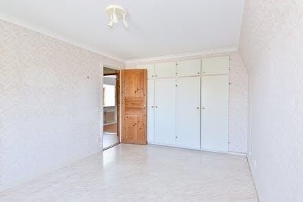 Sovrum 3 med garderober