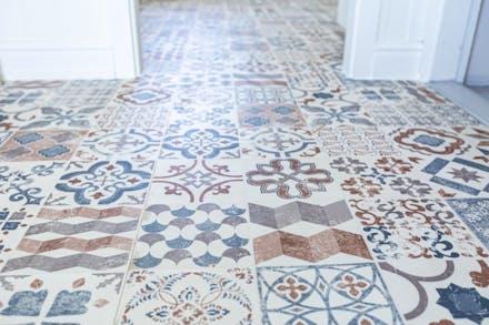 Vackert golv med golvvärme.