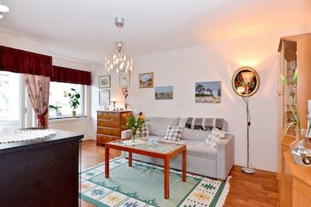 Vardagsrum med slipat ekparkettgolv