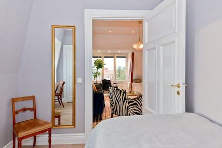 Bevarade listverk och spegeldörrar