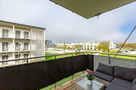 Stor och möblerbar balkong