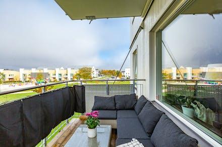 Stor och härlig balkong med eftermiddags- och kvällssol