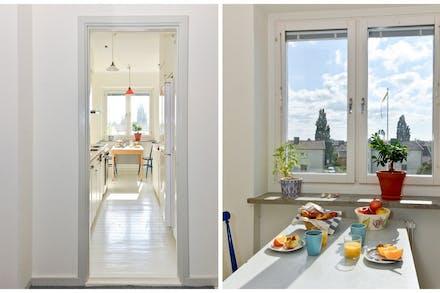 Från hall/entré nås kök med matplats invid fönster
