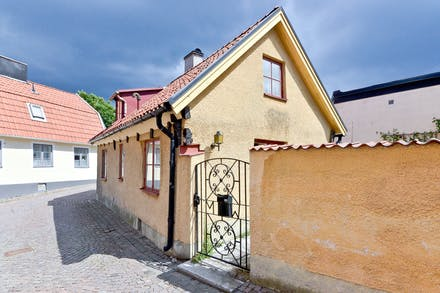 Trappgatan 22 beläget invid Finntrappan som leder ned till Stora Torget