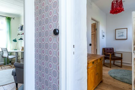 Hall med dörr till sovrum 3