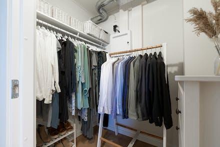 Stor, praktisk klädkammare