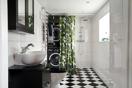 Smart lösning med tvättmaskin och torktumlare