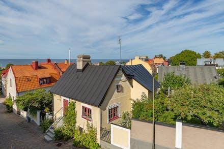 På historisk mark där Visborgs Slott låg innan det förstördes av danskarna 1679